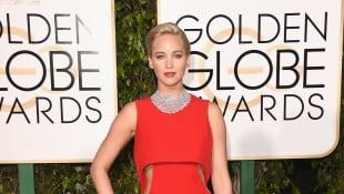 Jennifer Lawrence bei den Gloden Globes 2016, rotes Kleid, bester Look