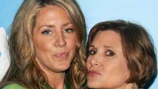Joely Fisher und Carrie Fisher