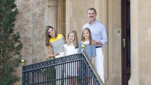 König Felipe von Spanien, Königin Letizia, Prinzessin Leonor und Sofia
