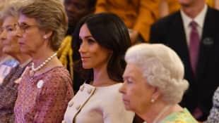 Königin Elisabeth II. und Herzogin Meghan