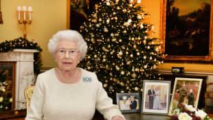Königin Elisabeth II. nach der Aufzeichnung ihrer Weihnachtsgrüße im Jahr 2015