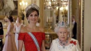 Königin Letizia und Königin Elisabeth II.