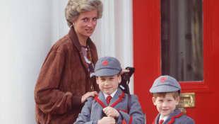 Lady Diana mit Prinz William und Prinz Harry