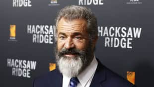 Mel Gibson wears his new beard with pride!