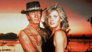 "Paul Hogan und Linda Kozlowski in ""Crocodile Dundee"" 1986"