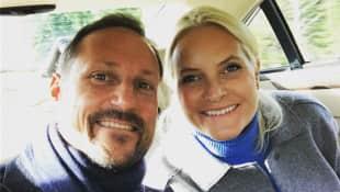 Prinz Haakon und Prinzessin Mette-Marit teilen Selfie von sich