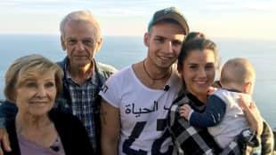 Sarah Engels und Pietro Lombardi reisen mit Alessio und Sarahs Großeltern im Gepäck drei Wochen durch Italien.
