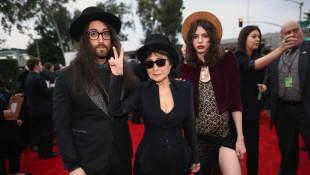 Sean Lennon, Yoko Ono und Charlotte Kemp Muhl