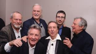 Terry Gilliam, MIchael Palin, John Cleese, Eric Idle, John Oliver und Terry Jones
