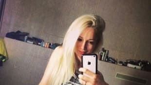Valeria Lukyanova zeigt ihre schmale Taille