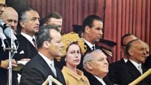 Willy Brandt, Königin Elisabeth II und Ludwig Erhard im Jahr 1965 Deutschland Besuch