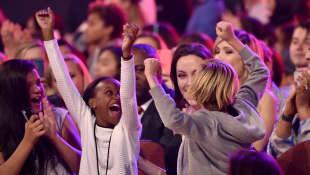 Zahara Marley Jolie-Pitt, Angelina Jolie und Shiloh Nouvel Jolie-Pitt  Kids Choice Awards 2015