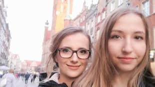 Anna Heiser und ihre Schwester