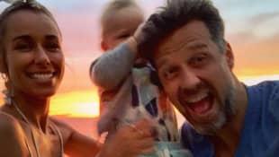 Annemarie und Wayne Carpendale mit Baby