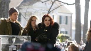 Benjamin Keough, Lisa Marie und Priscilla Presley
