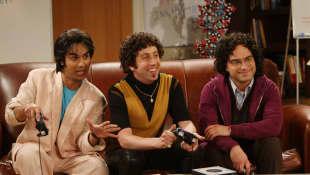 "Kunal Nayyar, Simon Helberg und Johnny Galecki in ""The Big Bang Theory"" 2009"