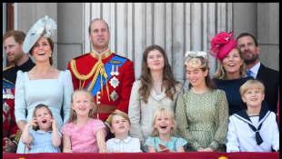 Die britische Königsfamilie an der offiziellen Feier zum 92. Geburtstag der Queen