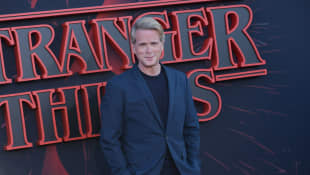 """Cary Elwes bei der """"Stranger Things""""-Premiere"""