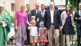 Fürstin Charlène von Monaco, Prinz Jacques, Prinzessin Gabriella und Fürst Albert von Monaco