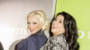 Daniela Katzenberger und Iris Klein bei einer Kinopremiere in Köln