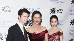 Dylan Douglas, Catherine Zeta-Jones und Carys Zeta Douglas Kinder Stars