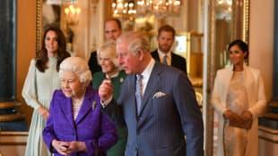 Königin Elisabeth II., Prinz Charles, Herzogin Camilla, Herzogin Kate, Prinz William, Prinz Harry und Herzogin Meghan