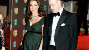 Kate Middleton zeigte bei den BAFTA Awards ihren Babybauch in Begleitung von Prinz William