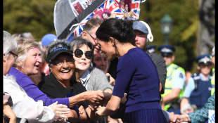 Herzogin Meghan trägt einen ziemlich durchsichtigen Rock
