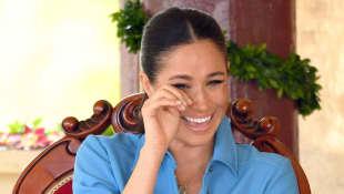 Herzogin Meghan Tonga lachen