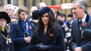 Herzogin Meghan und Prinz Harry gedenken vor der Londoner Westminster Abbey aller in Kriegen verstorbener Soldaten
