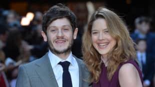 Iwan Rheon und Zoe Girsedale