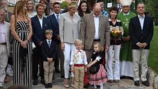 Prinz Albert und Prinzessin Charlene mit ihren Kindern Jacques und Gabriella von Monaco