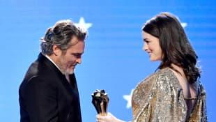 Joaquin Phoenix und Anne Hathaway