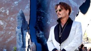 Johnny Depp hat sich sein Amber-Heard-Tattoo entfernen lassen
