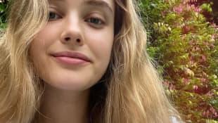 Katherine Langford ungeschminkt auf Instagram