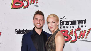 """Arrow""-Star Katie Cassidy hat ihren Matthew Rodgers geheiratet"