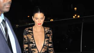 Kendall Jenner im Transparent-Kleid auf der Longchamp-Party in Paris