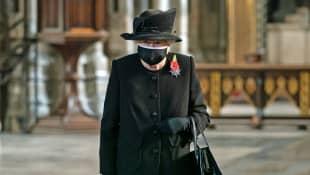 Königin Elisabeth II. Maske Remembrance Sunday