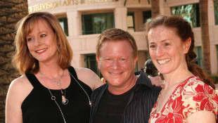 Mary Elizabeth McDonough, Eric Scott und Kami Cotler
