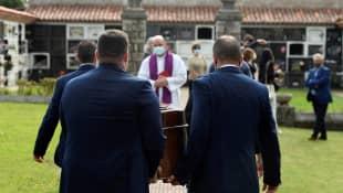 Menchu Álvarez del Valle Beerdigung