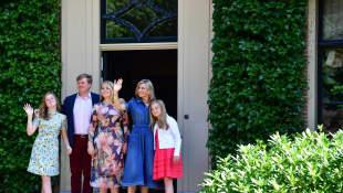 Prinzessin Alexia, König Willem-Alexander, Prinzessin Amalia, Königin Máxima und Prinzessin Ariane posierten in Wassenaar
