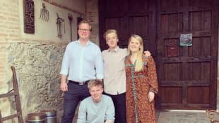 Patricia Kelly mit ihrem Ehemann und ihren Söhnen