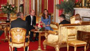 Prinz William, Herzog von Cambridge, und Catherine, Herzogin von Cambridge, sprechen am 7. Oktober 2020 mit dem ukrainischen Präsidenten Volodymyr Zelensky und seiner Frau Olena.
