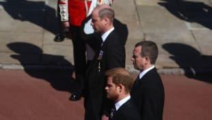 Prinz William, Peter Philips und Prinz Harry