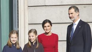 Prinzessin Sofia, Prinzessin Leonor, Königin Letizia und König Felipe