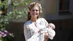 Prinzessin Madeleine und ihrer Tochter Prinzessin Adrienne bei der Taufe am 8. Juni 2018