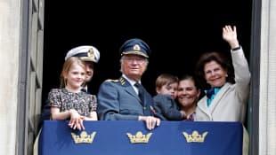 Prinzessin Estelle, Prinz Carl Philip, König Carl Gustaf, Prinz Oscar, Prinzessin Victoria, Königin Silvia