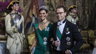 Prinzessin Victoria Prinz Daniel strahlt