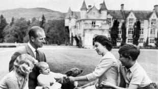 Königin Elizabeth II., Prinz Philip, Prinz Charles, Prinzessin Anne und Prinz Andrew