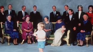 Taufbild von Prinz Harry Britischen Royals Prinz William Prinz Charles Lady Diana